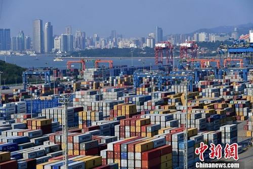 长江经济带立体交通走廊连通世界